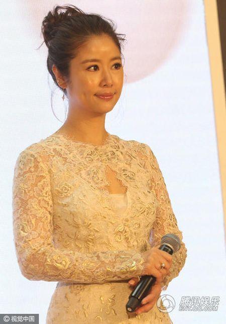 Sau khi sinh con, Lam Tam Nhu duoc nhan vien thap tung, 'cham soc tan rang' khi di su kien - Anh 8