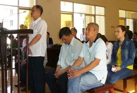 Nam tien ti, nhan vien Cty XSKT Bac Lieu day ban giam doc Ngan hang Viet A vao tu - Anh 3