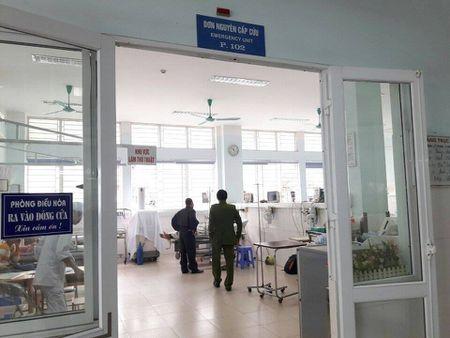 Hai Phong: Vuot den do con tong thang xe vao CSGT - Anh 1