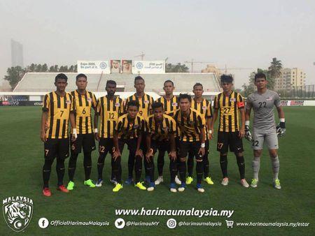 Hoa U-22 Trung Quoc, U-22 Malaysia 'nan gan' doi thu - Anh 1