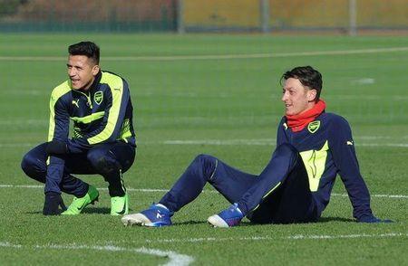 Arsenal 'dap di xay lai', cai to chua tung co - Anh 1