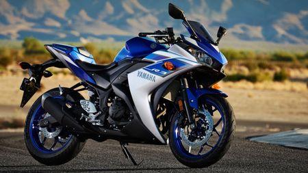 Yamaha trieu hoi 880 xe Yamaha YZF-R3 de thay the gia do binh xang va o khoa dien - Anh 1