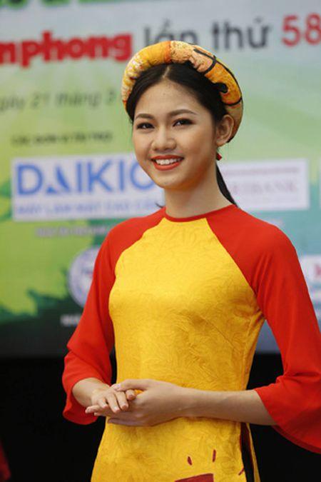 Giai Viet da toan quoc 2017: Hoa hau Ngoc Han, A hau Thanh Tu deu gop mat - Anh 2