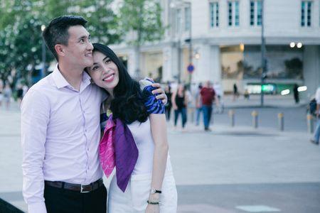 Chuyen showbiz: Yen Trang tai hop nhom May Trang, chup anh ban nude - Anh 4