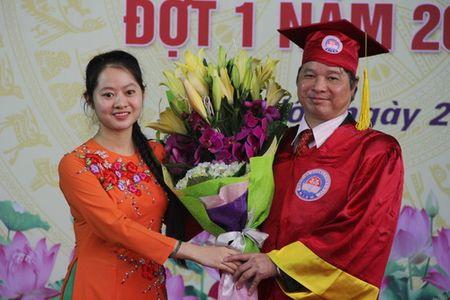 147 sinh vien Hoc vien Quan ly Giao duc nhan bang tot nghiep - Anh 4