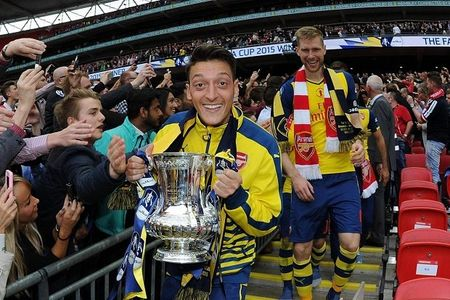 Oezil: Arsenal san sang 'lieu mang' vi cup FA - Anh 1