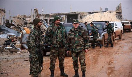 Quan doi Syria na phao vao can cu Al-Nusra tai 9 khu vuc chien luoc o Dara'a - Anh 1