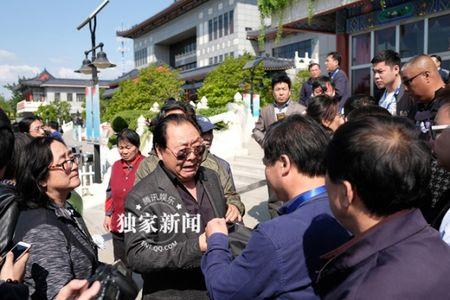 Dan sao 'Tay Du Ky' nghen ngao tien dua dao dien Duong Khiet - Anh 7