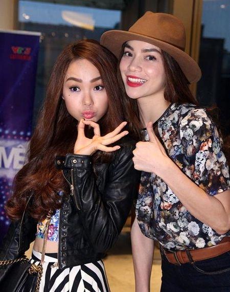 Sau khi bi to 'chen ep' Minh Hang, Ha Ho ngay cang co don trong showbiz Viet - Anh 2