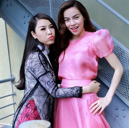 Sau khi bi to 'chen ep' Minh Hang, Ha Ho ngay cang co don trong showbiz Viet - Anh 7