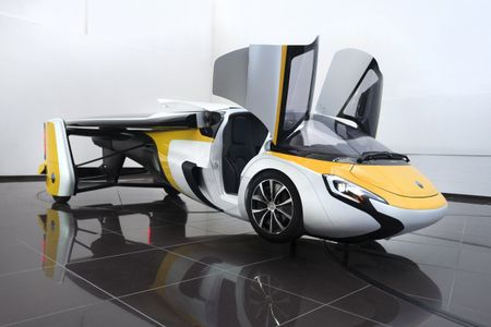 Xe bay AeroMobil tri gia 1 trieu USD ban ra nam 2020 - Anh 2