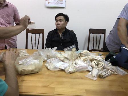 Phat hien so luong lon san pham che tac tu Nga voi - Anh 2