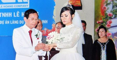 Net non na, me met cua kieu nu Viet lam vo thu 4, 5 dai gia 'khung' - Anh 14