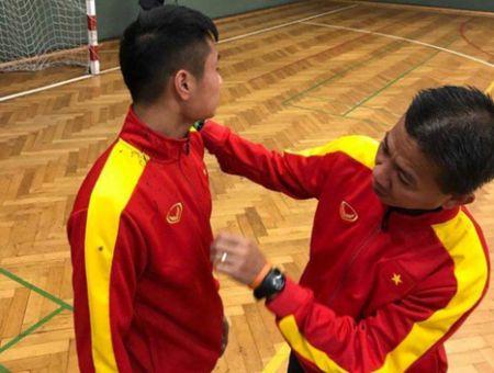 Bac sy Duc an tuong voi nen tang the luc cua U20 Viet Nam - Anh 1