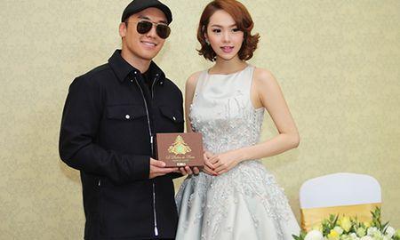 Lam guong mat dai dien: Minh Hang hon dut Ha Ho? - Anh 2