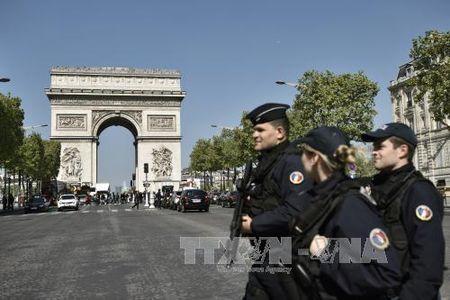 Vu no sung tai Paris: Doi tuong nguoi Bi khong lien quan - Anh 1