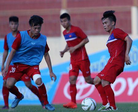 Diem tin bong da Viet Nam toi 19/5: Hoang Nam lay Xuan Truong lam hinh mau ly tuong - Anh 1