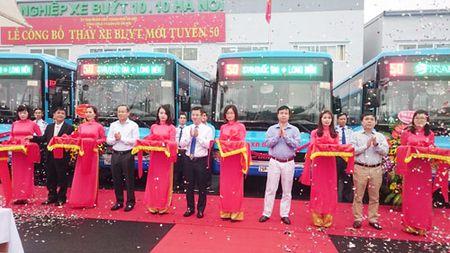 Thay the xe buyt moi tren tuyen so 50 Long Bien - San van dong Quoc gia - Anh 1