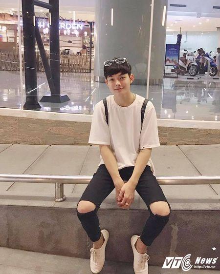 Hot boy DH Van hoa - Nghe thuat Quan doi gay sot khi cover ngot lim 'Nguoi ve tham que' - Anh 1
