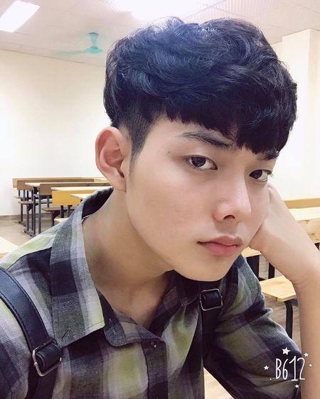 Hot boy DH Van hoa - Nghe thuat Quan doi gay sot khi cover ngot lim 'Nguoi ve tham que' - Anh 4