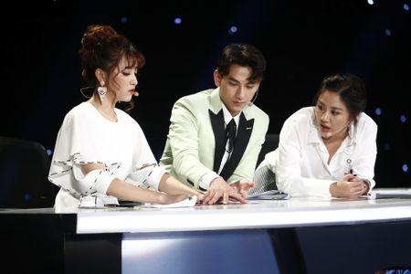 Truc tiep Vietnam Idol Kids 2017 tap 3: Co be khiem thi khien Isaac lang nguoi - Anh 3