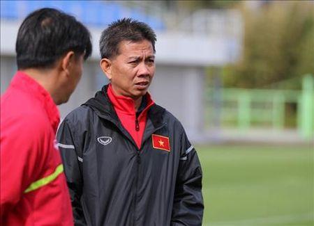 Chi 1 cau thu cua U20 Viet Nam duoc dung dien thoai - Anh 1