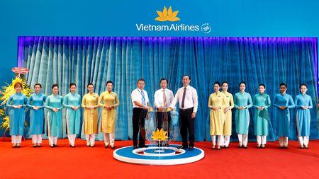 Vietnam Airlines khai truong dich vu bay quoc te tai Da Nang - Anh 2