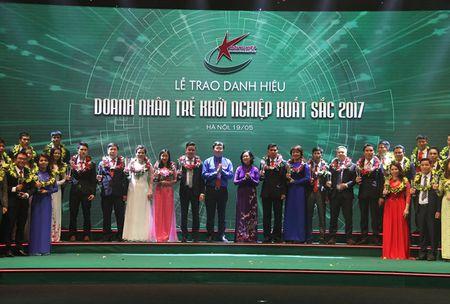 Vinh danh 100 doanh nhan tre khoi nghiep xuat sac 2017 - Anh 1