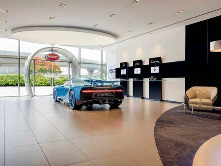Showroom Bugatti lon nhat tai Dubai chi trung bay duy nhat mot xe - Anh 3