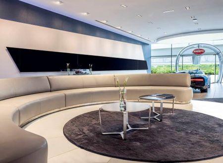 Showroom Bugatti lon nhat tai Dubai chi trung bay duy nhat mot xe - Anh 4