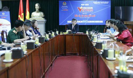 30 tap the, ca nhan duoc ton vinh tai 'Vinh quang Viet Nam - Dau an 30 nam doi moi' - Anh 1