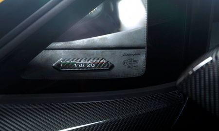Lamborghini Centenario cuc doc, lan dau co mat chau A - Anh 7