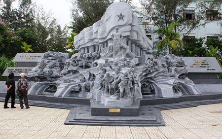 Trien lam chuyen de 'Truong Son - Con duong huyen thoai' - Anh 1