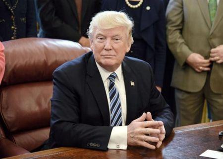 Hon 1 trieu nguoi ky don kien nghi luan toi ong Trump - Anh 2
