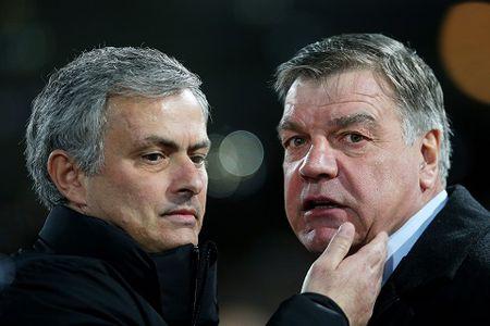 CAP NHAT tin toi 19/5: Man United tranh 'hang' voi Chelsea. Allardyce ung ho Mourinho. Arsenal nhan 'hung tin' - Anh 2
