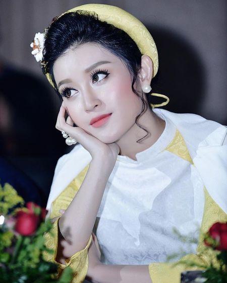 A hau Huyen My u buon nhung van dep 'rung roi' - Anh 9