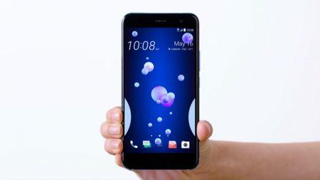 [Video] Mo hop sieu pham smartphone HTC U11 - Anh 1