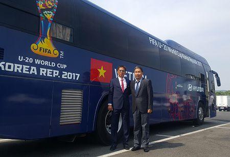 Tin HOT sang 20/5: FIFA trao cho U20 Viet Nam loi the lon - Anh 1