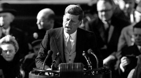 John F. Kennedy: Goc nhin moi qua trien lam anh - Anh 6