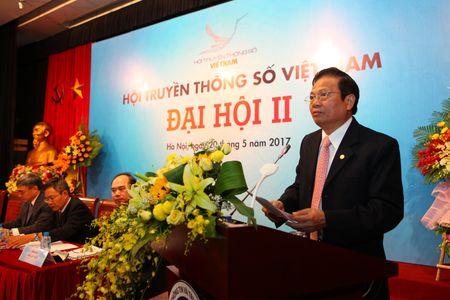 Thu truong Bo TT&TT Nguyen Minh Hong dac cu Chu tich Hoi Truyen thong so Viet Nam - Anh 2