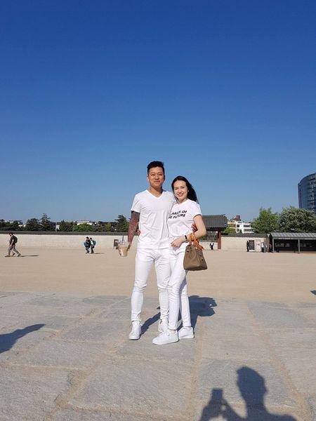 Tuan Hung be bong vo trong chuyen luu dien o Han Quoc - Anh 2