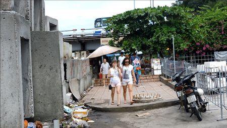 Bao ke ban hang rong o Nha Trang: Dun day trach nhiem - Anh 1