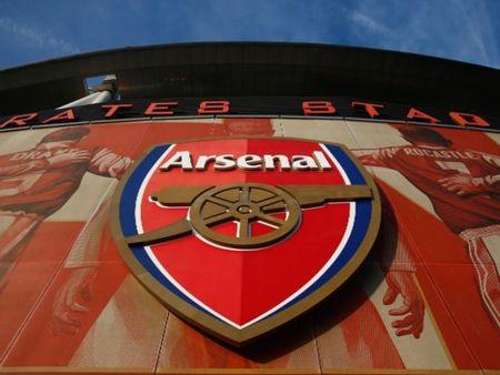 Ti phu Nga ra gia mua Arsenal 1,3 ti USD - Anh 1
