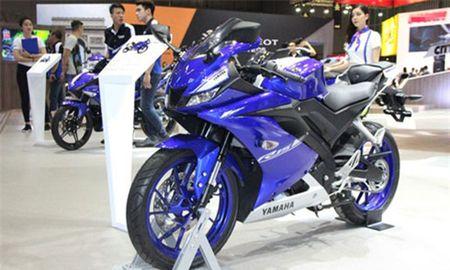 XE 'HOT' NGAY 20/5: Nu biker Viet duyen dang ben Honda MSX125, moto gia 5,5 ty dong ve Viet - Anh 7