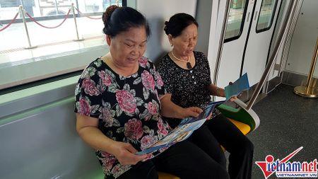 Nhieu bat tien o tuyen duong sat tren cao Cat Linh-Ha Dong - Anh 14