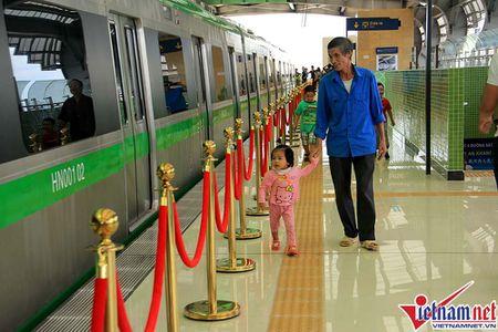 Nhieu bat tien o tuyen duong sat tren cao Cat Linh-Ha Dong - Anh 16