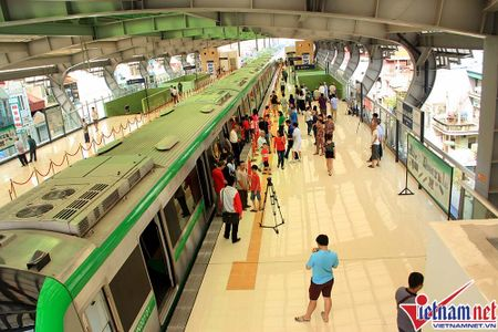Nhieu bat tien o tuyen duong sat tren cao Cat Linh-Ha Dong - Anh 2