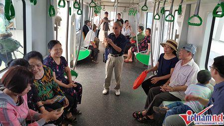 Nhieu bat tien o tuyen duong sat tren cao Cat Linh-Ha Dong - Anh 3
