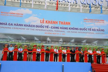 Nha ga hanh khach quoc te Da Nang chinh thuc duoc dua vao su dung - Anh 3
