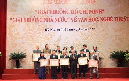 Chu tich nuoc trao 'Giai thuong Ho Chi Minh' ve van hoc, nghe thuat - Anh 3